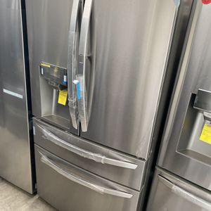 NEW ! 29.5 CU FT LG 4 DOOR REFRIGERATOR IN STAINLESS STEEL WITH ICE/WATER DISPENSER & SHOW CASE DOOR for Sale in Los Angeles, CA