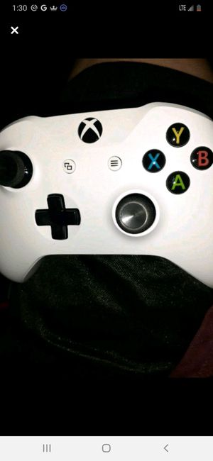 White xbox one controller brand new for Sale in Marion, IL
