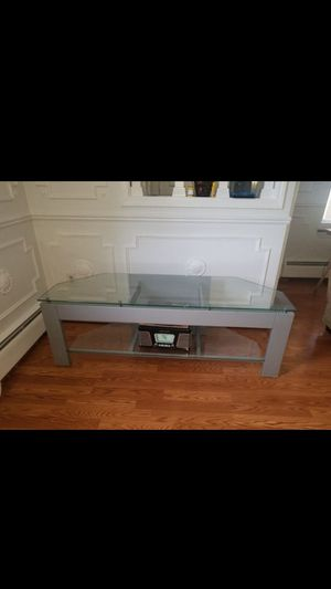 Used TV stand in very good condition for Sale in Roseville, MI