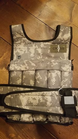 40 lb weighted expersize vest for Sale in Portage, WI