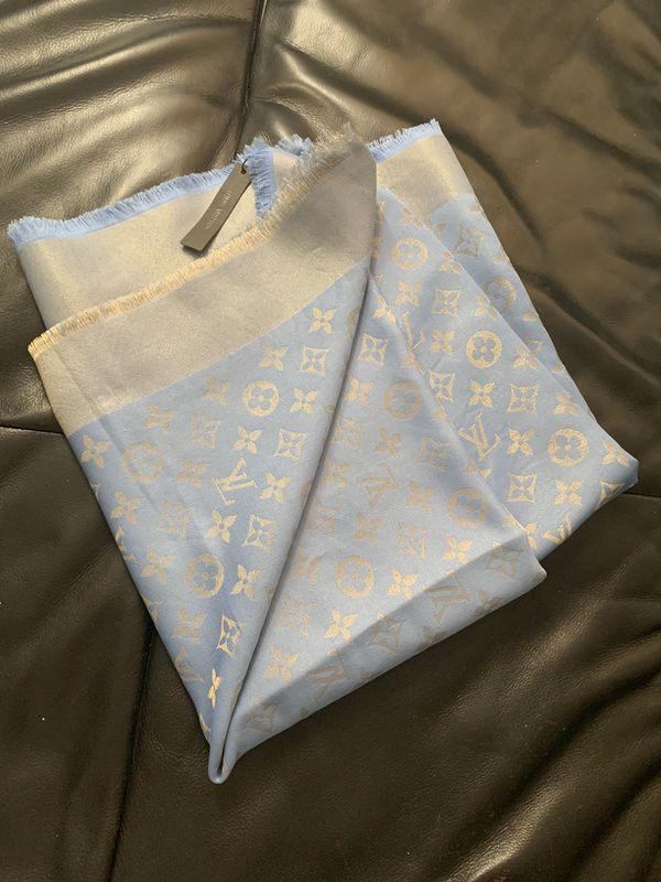 Auth scarf Louis Vuitton 140/140