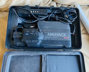 Magnavox CCD Movie Maker VHS Video Camera with Hard Case for Sale in Mesa, AZ