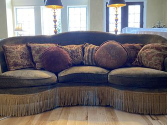 Vintage - Moss Green Curved Sofa W/ Throw Pillows for Sale in Dublin,  OH