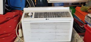 Lg window ac unit for Sale in Baltimore, MD