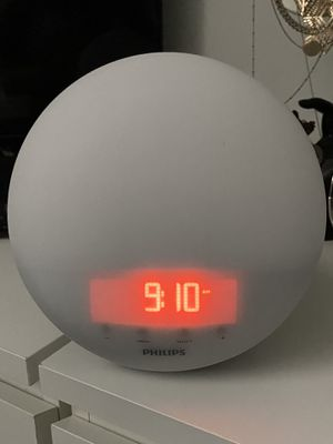 Philips Circular White Clock with Adjustable Night Light And Radio for Sale in Chicago, IL