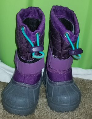 Toddlers snow boots size 4c for Sale in Hanover, MD