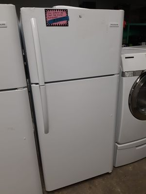 NEW OPEN BOX FRIGIDAIRE TOP FREEZER REFRIGERATOR 30IN. 1 YEAR MANUFACTURED WARRANTY $350.00 for Sale in Baltimore, MD