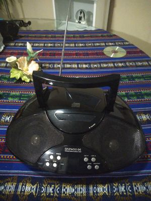 CD MP3 music player, RADIO. Daewoo. Remote control included. for Sale in Orlando, FL