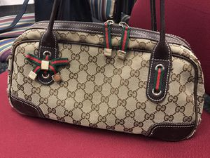 Authentic Gucci signature bag for Sale in Fairfax, VA