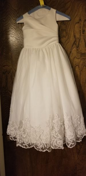 Young girls flower girl dress for Sale in Mesa, AZ
