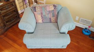 Chair (Free) for Sale in O'Fallon, MO