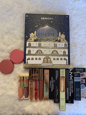 Makeup Lot on Sale! Needs to Go! Make an offer! for Sale in Las Vegas, NV