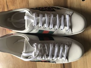 AUTHENTIC GUCCI SHOES for Sale in Hayward, CA