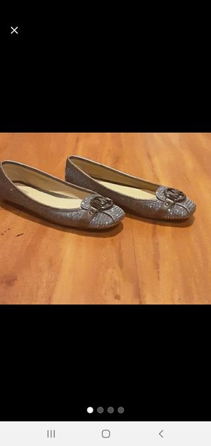 Michael kors flats size 8M for Sale in Columbus, OH