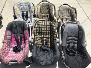 Baby car seat FIRM PRICE NO DELIVERY CASH OR TRADE FOR BABY FORMULA for Sale in Gardena, CA