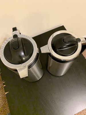 2 thermos for Sale in Greenbelt, MD