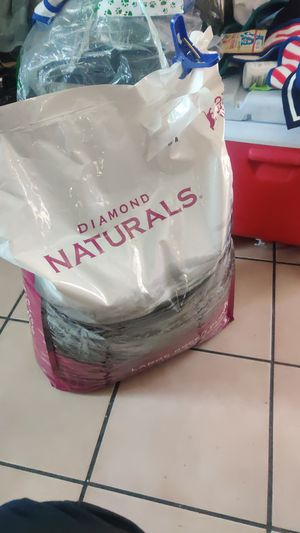 $30 Diamond naturals large breed puppy food for Sale in Long Beach, CA