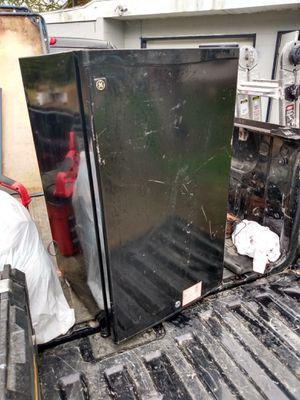mini fridge for Sale in Elyria, OH