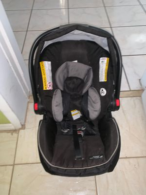 Graco car seat for Sale in Hollywood, FL