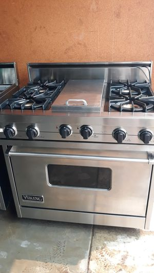"""VIKING PROFESSIONAL STOVE 36"""" NATURAL GAS 4 BURNERS AND GRIDDLE for Sale in Hayward, CA"""
