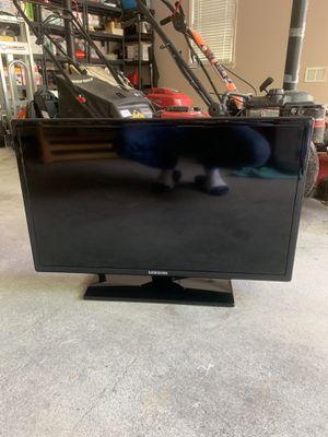 Samsung 27 inch tv for Sale in Marietta, GA