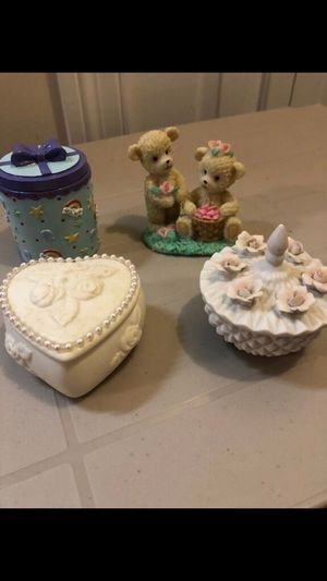Bear statue, rose candle and 2 trinket boxes for Sale in Smyrna, TN