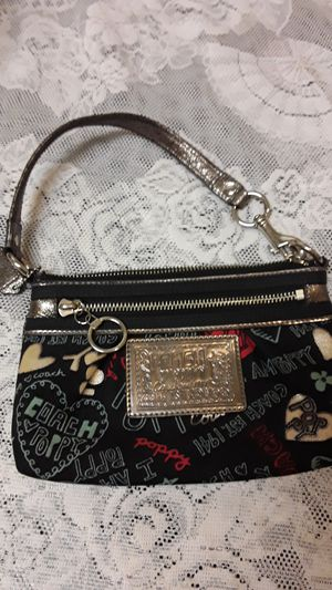 Coach wristlet bag for Sale in Baltimore, MD