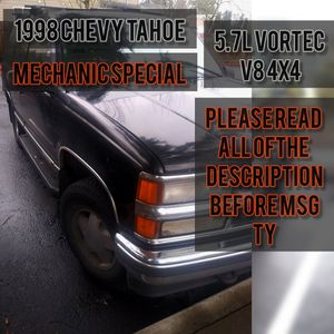 98 chevy tahoe 4x4 runs and drives NEEDS WORK for Sale in Portland, OR