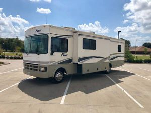 2004 Fleetwood Flair Motorhome With two slide outs 36k miles for Sale in North Richland Hills, TX