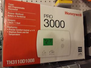 Honeywell Thermostat PRO3000 for Sale in Germantown, MD