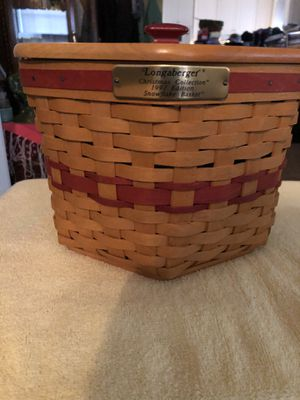 1997 LONGABERGER SNOWFLAKE BASKET WITH LID for Sale in Sherrills Ford, NC