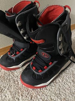 Thirty Two Prion Snowboard Boots for Sale in Yakima,  WA