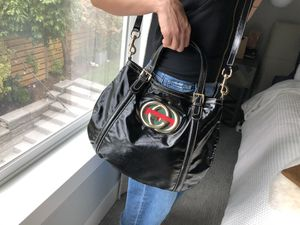 Gucci Bag 9.5/10 Mint crossbody and handbag for Sale in Seattle, WA