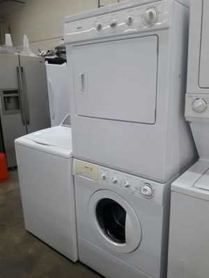 "27""width Kenmore front load washer and dryer set great working condition stackable for Sale in Oxon Hill-Glassmanor, MD"