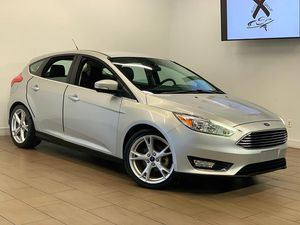 2015 FORD FOCUS TITANIUM 4dr HATCHBACK FINANCE AVAILABLE for Sale in Houston, TX
