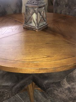 Brown Dining table -4 Chairs for Sale in Chula Vista,  CA