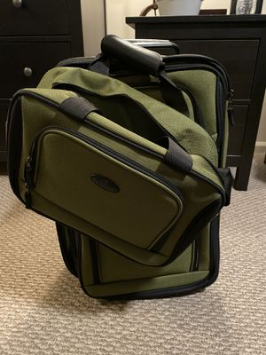 US Traveler 2 piece carry on set for Sale in Moorestown, NJ