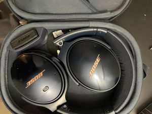 Bose QC35 Blue noise cancelling headphones apple exclusive for Sale in Claremont, CA