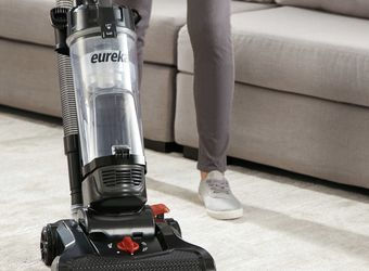 Eureka Upright Vacuum Power Speed New Excellent Working Condition All Accessories Included for Sale in Las Vegas,  NV