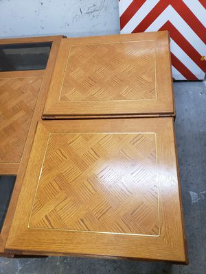 Livingroom Table w/glass inserts w/2 end tables and TV Stand w/glass shelves for Sale in Locust Grove, GA