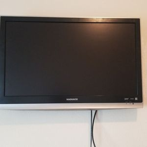 "Magnavox 32MF338B 32"" LCD TV for Sale in Oroville, CA"