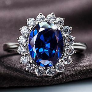 BLUE SAPPHIRE HALO SILVER RING for Sale in Lawton, OK