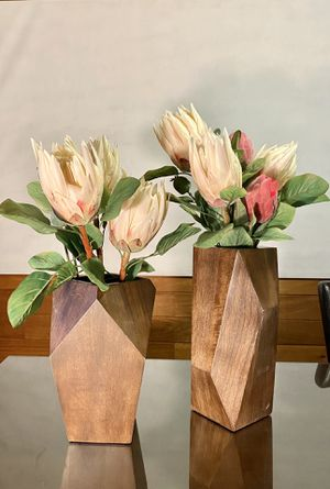 Set Of 2 Wood Modern Geometric Vases & Protea Faux Flowers for Sale in Tualatin, OR