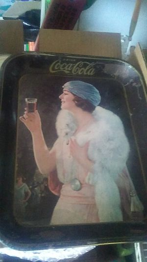 Coca Cola flapper girl food tray,do not know age,do know features,they are shown. for Sale in Saint CLR SHORES, MI