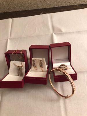 Diamond necklace earrings bracelet ring for Sale in San Antonio, FL