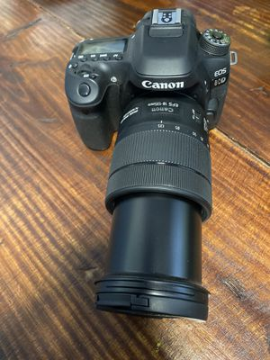 CANNON 80D with 18-135 Lense + Rode Mic for Sale in Dallas, TX