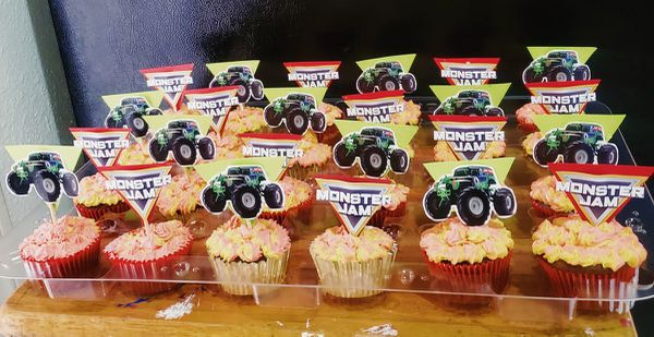 Monster jam cup.Cakes
