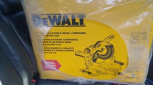 DeWalt table saw perfect for all wood cut for Sale in Los Angeles, CA