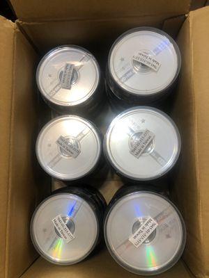 525 pcs DVD-RW rewritable discs and 5 cd cases for Sale in West Hollywood, CA