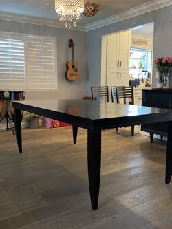 Crate & Barrel Dark Oak Dinning Table for Sale in Los Angeles,  CA